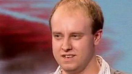 Povestea lui Scott James, concurentul X Factor UK, astãzi la Acces Direct