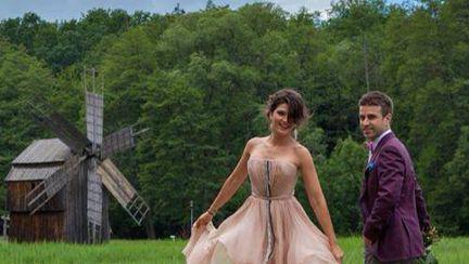 Poze: Alina Puşcaş, prima şedinţă foto alături de soţul ei