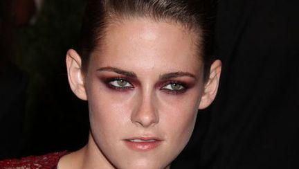 Kristen Stewart la un pas să clacheze după despărţirea de Robert Pattinson!