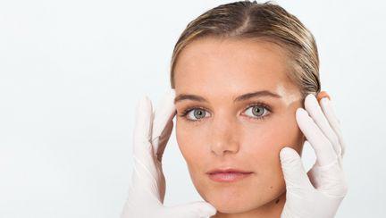 Dr. Dana Miricioiu: Îţi spun cum să scapi de punctele negre şi porii dilataţi!