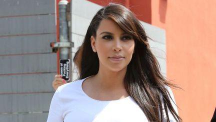 Kim Kardashian a născut o fetiţă