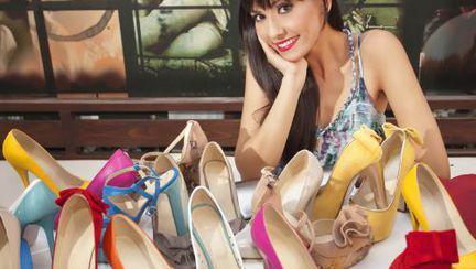 Alexandra Bădoi, mereu la înălţime. Vezi ce pantofi îi plac!