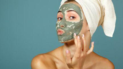 Frumuseţe & sănătate: Argila verde detoxifica corpul şi te scapă de acnee