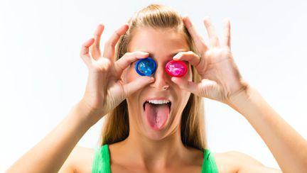 Cele mai ciudate metode contraceptive din istorie. Ai încerca aşa ceva?