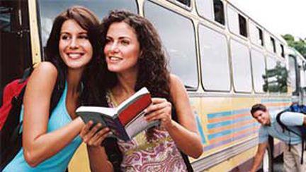 VacanteReduse.ro prezintă: 10 legi trăsnite care ar putea să-ţi facă probleme în vacanţă