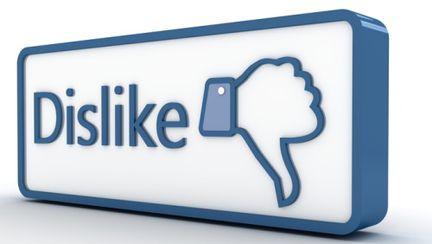 """Facebook a lansat opţiunea de """"dislike"""""""
