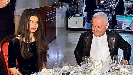 Irinel Columbeanu, lăsat cu buza umflată de tânăra de 18 ani