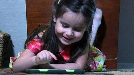 O fetiţă de 3 ani are un IQ de 160 şi a fost admisă în Mensa
