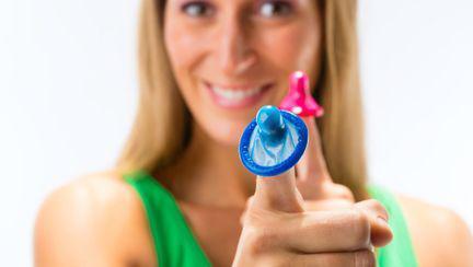 Prezervativul electric. Ai încerca aşa ceva?