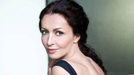 """Mihaela Rădulescu îţi dezvăluie """"Cum iubesc bărbaţii"""""""
