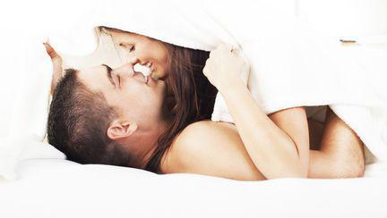 Cum îți influențează sănătatea sexul de dimineață