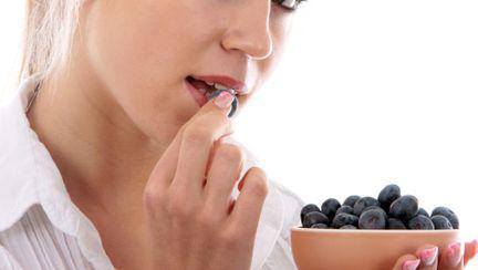 Cum te ajută afinele să ai o viaţă sexuală activă