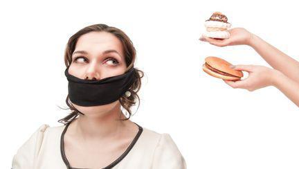 Mâncăruri şi băuturi interzise în lume. Vezi de ce
