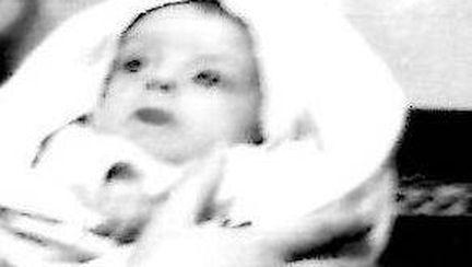 Așa arăta când era doar un bebeluș! O recunoşti pe fosta Miss România?