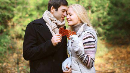 7 trucuri ca să supravieţuieşti primului an de relaţie