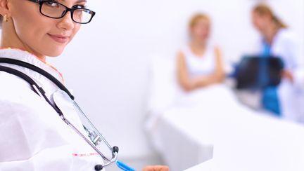 femeie medic
