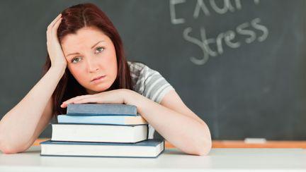 femeie in examen