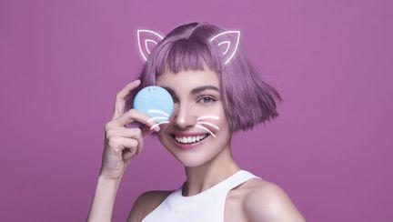 (P) FOREO LUNA play smart  -Prima perie de curatare faciala inteligenta din lume