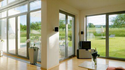 Ferestrele și ușile sunt cele mai importante elemente din structura unei case