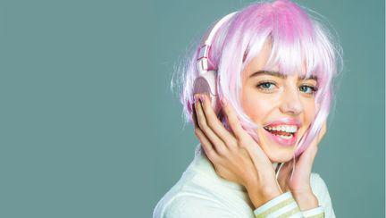 Trend alert: se poartă părul roz!
