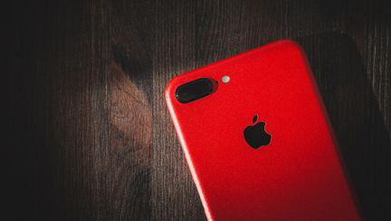 lansare iphone red apple hiv sida cauza nobilă