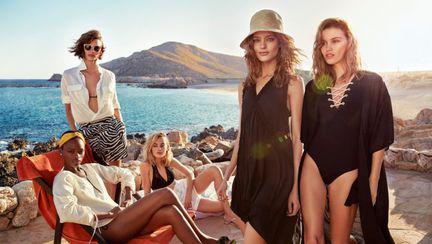 (P) H&M lansează colecția de vară 2017 și propune ținute multifuncționale și piese esențiale pentru garderobă