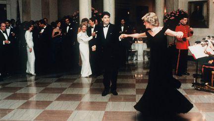 Printesa Diana si John Travolta