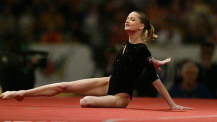 O mai ții minte pe Svetlana Khorkina Vezi cum arată acum