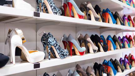 Pantofi de damă pe care îi poți cumpăra de Black Friday 2017