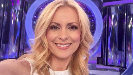 Simona Gherghe cere ajutorul prietenilor virtuali