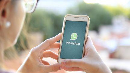 WhatsApp - aplicatie - cum sa citesti mesajele iubitului pe telefon