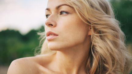 5 practici dăunătoare pentru tenul tău, la care trebuie să renunți cât mai repede