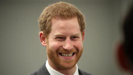 Regina Elisabeta l-a ales pe prințul Harry! Decizia ei a fost foarte lăudată