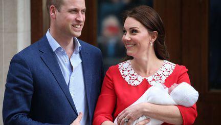 Ce schimbări aduce cel de-al treilea copil al ducilor de Cambridge la Casa Regală Britanică