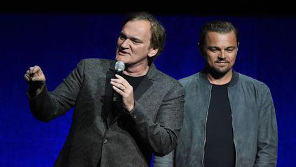Quentin Tarantino și Leonardo Dicaprio pe scenă