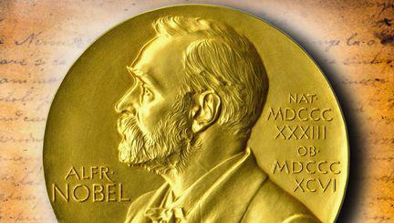 În 2018 nu va fi acordat Premiul Nobel pentru Literatură - moneda cu Alfred Nobel