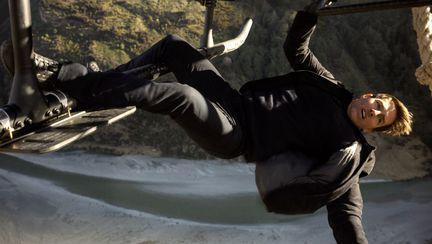 Tom Cruise, salt riscant de la peste 7000 de metri pentru noul film VIDEO