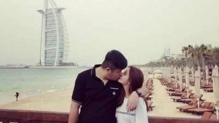 Zhang Xiaoen si iubita sa