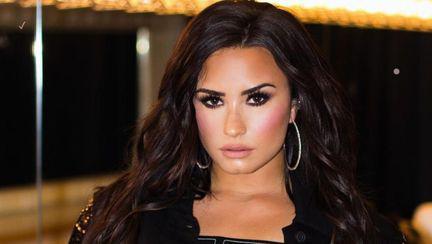 Demi Lovato va merge la reabilitare