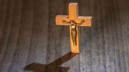 Cruciuluți pe care este Iisus răstignit