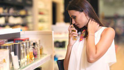 6 mituri despre parfumuri, pe care ar trebui să le știi