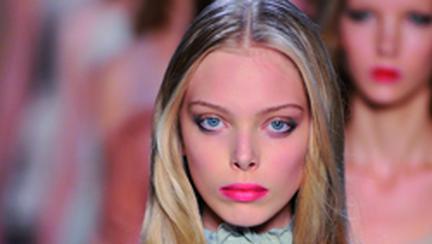 Tendinte make-up: Buze contrastante