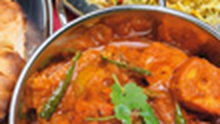 Piept de pui cu sos curry