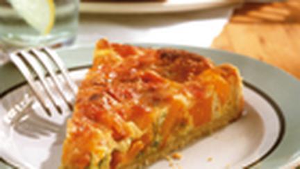Tarta cu dovleac, costita, ceapa verde si cascaval
