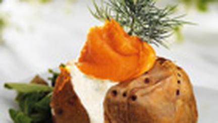 Cartofi umpluti cu branza si peste