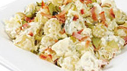 Salata de cartofi noi cu iaurt