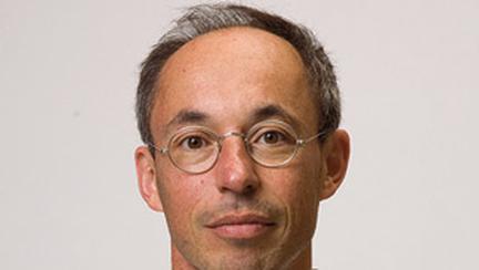 James A. Levine  sau Romanul unei supravietuiri