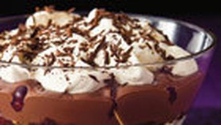 Budinca de ciocolata cu lichior si frisca