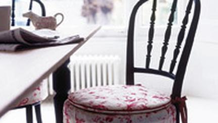 Redecoreaza, reconditioneaza: Setul de scaune s-a demodat?