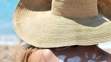 Protectia solara este vitala pentru sanatatea si frumusetea a pielii